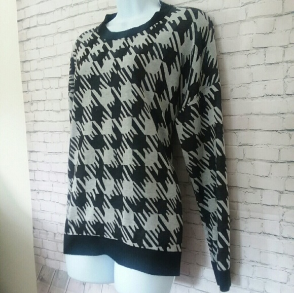 Lucca Couture Sweaters - LUCCA COUTURE houndstooth black and white sweater